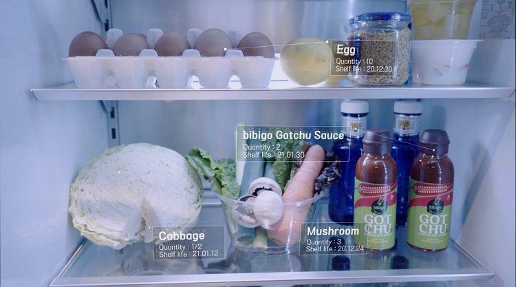 Vision AI refrigerator recognizes the food and products inside